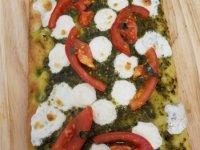 Margherita-flatbread-on-board